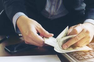 Зачисления средств на счет валютного резидента