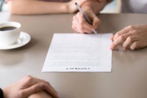 В какой форме заключается брачный договор?